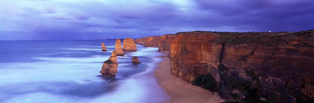 澳洲墨爾本中文小團旅遊精選-大洋路十二門徒岩2天一夜浪漫數星團